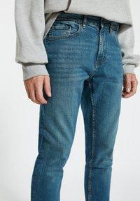 PULL&BEAR - Jeans a sigaretta - light blue - 3
