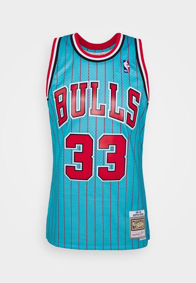 NBA CHICAGO BULLS RELOAD 2.0 SWINGMAN SCOTTIE PIPPEN - Article de supporter - light blue
