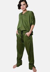 Fable & Eve - Yöasusetti - military green - 0