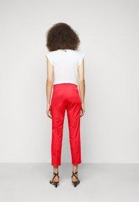WEEKEND MaxMara - FARAONE - Trousers - orange - 2