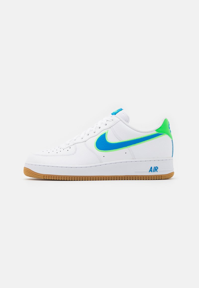 Nike Sportswear - AIR FORCE 1 '07 LV8 UNISEX - Trainers - white/light photo blue/poison green/light brown