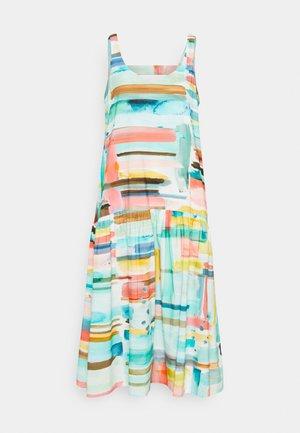 PINTELLO DROP WAIST DRESS - Denní šaty - jade green