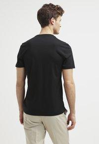 Michael Kors - Basic T-shirt - black - 2