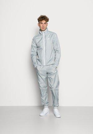 SUIT BASIC - Giacca sportiva - lt smoke grey/white