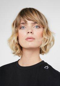 Bruuns Bazaar - LYNN ALBERTE  - Print T-shirt - black - 3