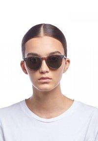 Le Specs - FIRE STARTER - Sunglasses - matte tort - 0