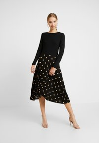 Dorothy Perkins - CAMEL SPOT MIDI - Jersey dress - black - 1