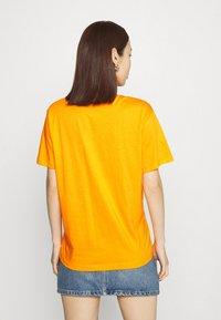 Fila - EARA TEE - T-shirt basic - flame orange - 2