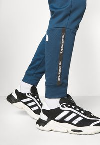 The North Face - PANT - Tracksuit bottoms - monterey blue - 4