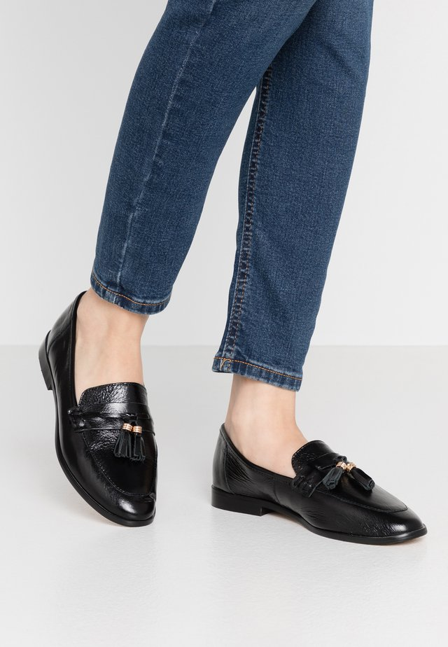 FALALA - Loaferit/pistokkaat - black