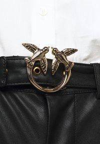 Pinko - SUSAN TROUSERS - Spodnie materiałowe - black - 3