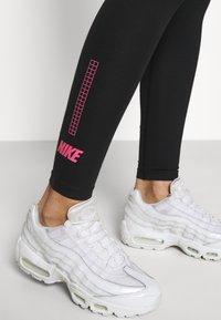 Nike Sportswear - CLUB - Leggings - black/hyper pink - 5