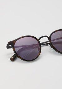 Le Specs - TORNADO - Sunglasses - tort - 2