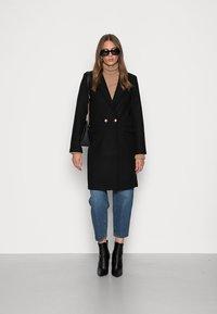 Abercrombie & Fitch - TAILORED SLIM DAD COAT - Classic coat - black - 1