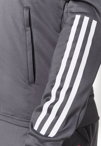 adidas Performance - REAL MADRID AEROREADY FOOTBALL TRACKSUIT SET - Klubové oblečení - grey - 7