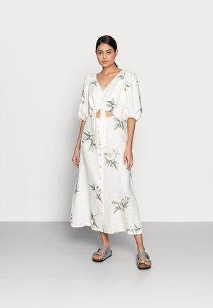 DRESS LISETTE - Vapaa-ajan mekko - light white