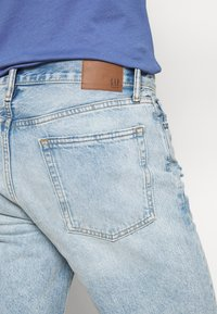 GAP - Denim shorts - light-blue denim - 3