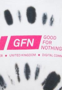 Good For Nothing - OVERSIZED SPIRAL UNISEX - Triko spotiskem - white - 2