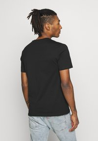 YOURTURN - T-shirt med print - black - 2