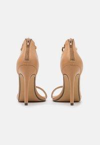 4th & Reckless - TEIGAN REMY - Sandály na vysokém podpatku - nude - 3