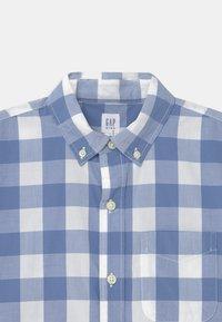 GAP - BOY - Shirt - blue white - 2