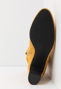 Bullboxer - Kotníkové boty - cury - 6