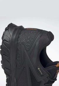 Reebok - RIDGERIDER GTX 5.0 SHOES - Hiking shoes - black - 8