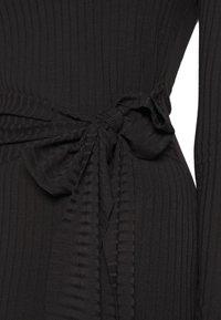 Missguided - SCOOP NECK SELF TIE MIDI DRESS - Shift dress - black - 4