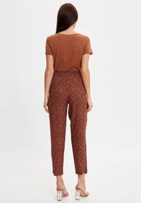 DeFacto - Trousers - orange - 2