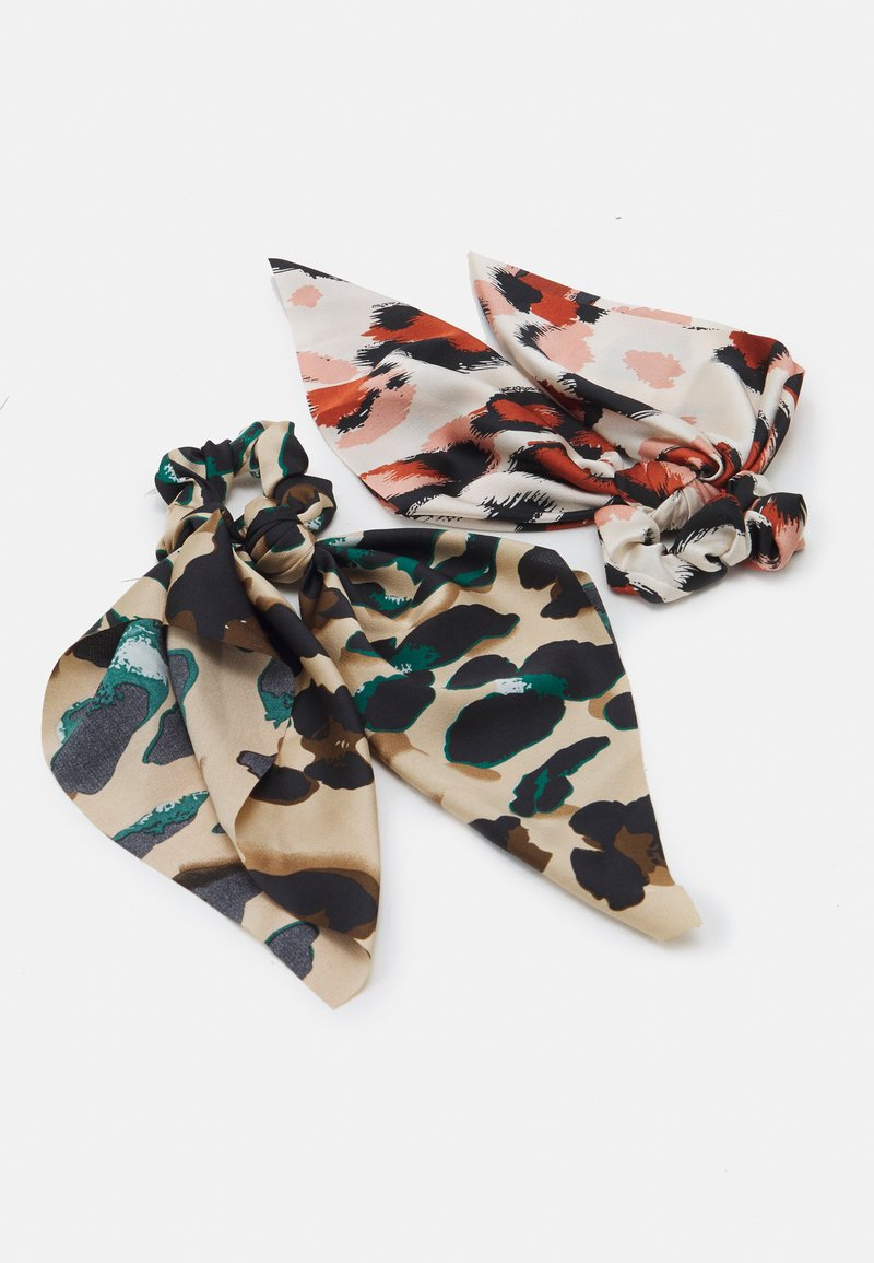 Pieces - PCVAPPY BOW SCRUNCHIE 2 PACK - Hair styling accessory - warm sand