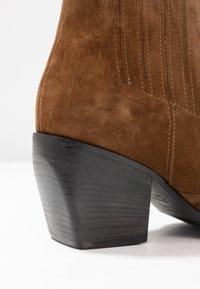 Kennel + Schmenger - LUNA - Ankle boots - bourbon/schwarz - 2