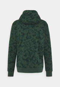 Nike Sportswear - CLUB HOODIE - Sweatshirt - galactic jade - 5