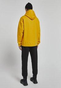 PULL&BEAR - Huppari - light yellow - 4