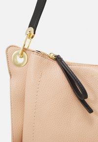 PARFOIS - SAC PAOLA SKIN - Handbag - beige - 3