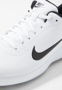 Nike Golf - INFINITY G - Golfsko - white/black - 5