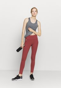 Under Armour - FAVORITE LEGGING HI RISE - Leggings - cinna red - 1