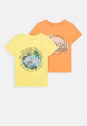 NKFVIX 2 PACK - T-shirt imprimé - canteloupe
