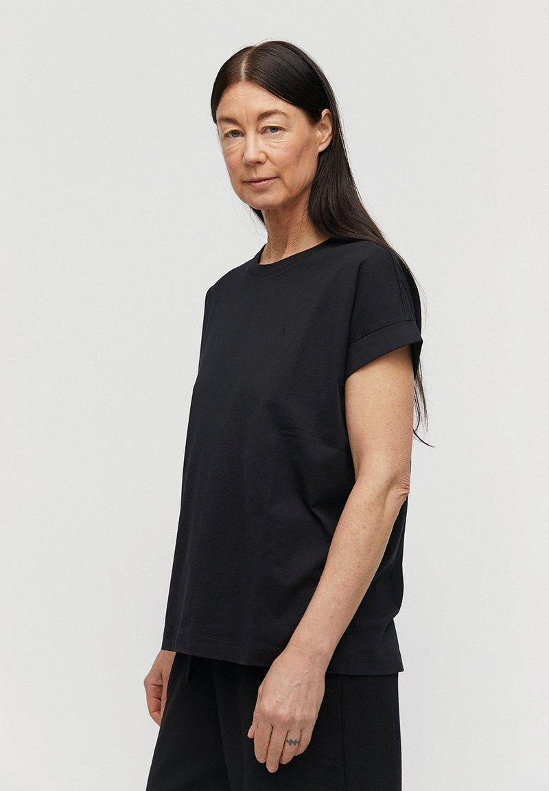 ARMEDANGELS - IDAA  - Basic T-shirt - black