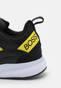 BOSS Kidswear - TRAINERS - Trainers - black - 5
