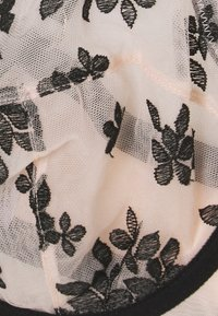 Playful Promises - FLORAL EMBROIDERED PLUNGE BRA - Underwired bra - black/peach - 2