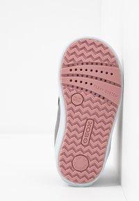 Geox - KILWI GIRLI - Sneakersy wysokie - dark grey - 4