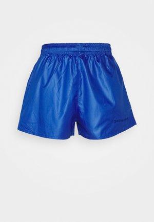 TRACK - Shorts - electro blue