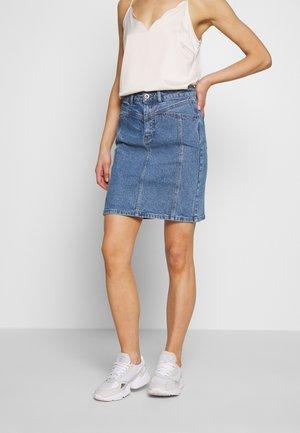PCAURA CUTLINE SKIRT - Pencil skirt - dark blue denim