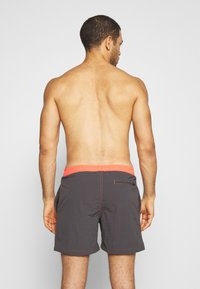 Urban Classics - LOGO SWIM  - Plavky - anthracite/orange - 1