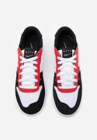Nike Sportswear - SQUASH - Tenisky - white/black/university red - 3