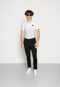 Antony Morato - SPORT PLAQUETTE - Polo shirt - bianco - 1