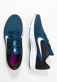 Nike Performance - DOWNSHIFTER  - Obuwie do biegania treningowe - valerian blue/white/black/vivid purple - 1