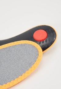 Pedag - SNEAKER MAGIC STEP - Insole - grey/orange - 2