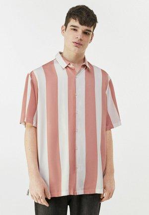 MIT STREIFEN - Shirt - pink