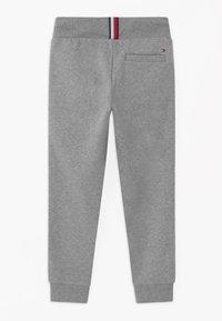 Tommy Hilfiger - TAPE - Pantaloni sportivi - grey - 1